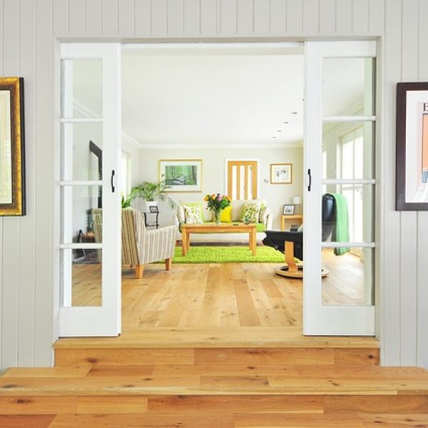 רהיטים מעוצבים מעץ מלא – פתרון עיצוב לכל חדר